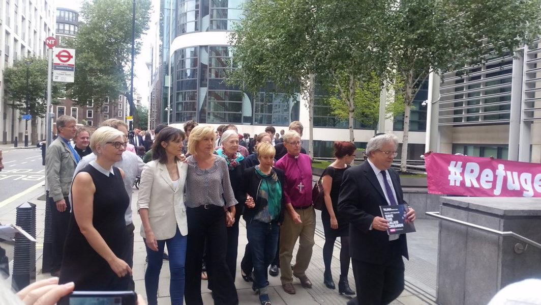 Citizens UK deliver letter at Home Office