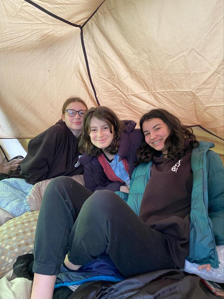 Northwood Kabbalat Torah students sleep out