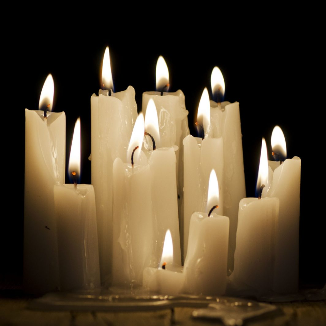 Rabbi Dr René Pfertzel candles